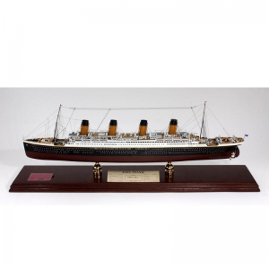 RMS Titanic Oceanliner Model